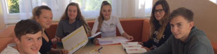 Die Schüler beim Lernen im Internat